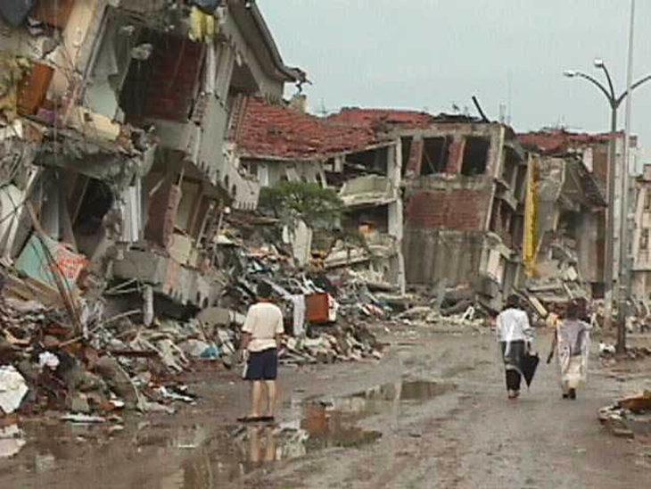 Izmit earthquake damage